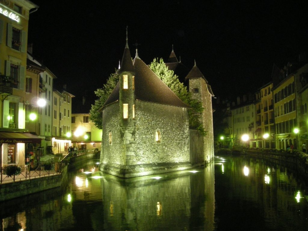 Annecy by night